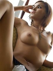 Maria Ozawa in lingerie shows her sexy body