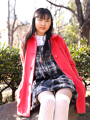 Japanese tramp poses in her school uniform as she waits - Erotic and nude girls pics at SoloTeenPics.com