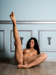 Diana Dulce strips her sexy lingerie baring her delectable body on the floor. - Erotic and nude girls pics at SoloTeenPics.com
