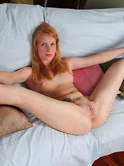 Flexible Teen Shows how Flexible her Vagina is