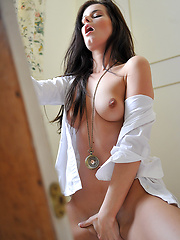 Erotic memories of sexy girl Ines - Erotic and nude girls pics at SoloTeenPics.com