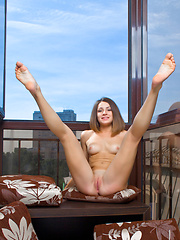 Susana exhibits her acrobatic skills and flexible, athletic body in a stunning studio photo shoot. - Erotic and nude girls pics at SoloTeenPics.com