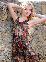 Alluring blonde Orvelia outside pics