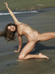 Who looks sexy covered in mud and rolling in the water getting dirty, Altea that is who. - Erotic and nude girls pics at SoloTeenPics.com