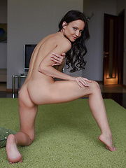 Marica looks enticingly delectable as   she flaunts her gorgeous naked body and   poses erotically on the carpet. - Erotic and nude girls pics at SoloTeenPics.com