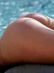 Sarah - peels off her green top and bottoms poolside - Erotic and nude girls pics at SoloTeenPics.com