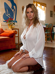 Cassie Becker Is Big Time - Erotic and nude girls pics at SoloTeenPics.com