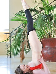 Natalie in flex stretch - Erotic and nude girls pics at SoloTeenPics.com