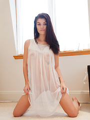 Alyson Grey Queen Of Dreams - Erotic and nude girls pics at SoloTeenPics.com