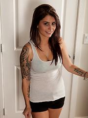 Tattoeed teen babe