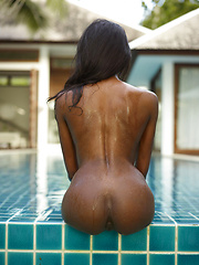 Look at that ass! For sure it is a treasure that you want to keep it! - Erotic and nude girls pics at SoloTeenPics.com
