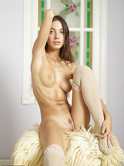 Kiki is just the perfect girl! Sensual, beautiful and her body is out of this world!