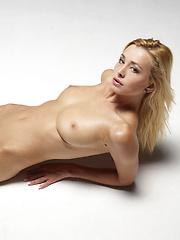 Model hegre-art