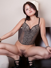 Amazing beauty waiting for her lover. While she waits the time can be spent in a generous way, like having fun with herself. - Erotic and nude girls pics at SoloTeenPics.com