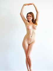 Dancing nude with Thena - Erotic and nude girls pics at SoloTeenPics.com