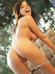 A wet Destiny Moody knows how to work a long hose - Erotic and nude girls pics at SoloTeenPics.com