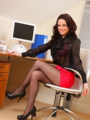 Hayley G posing in the office - Erotic and nude girls pics at SoloTeenPics.com