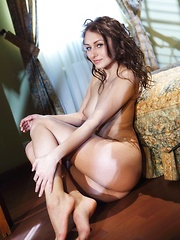 Yarina A's gorgeous body accenatuated by her flattering lingerie - Erotic and nude girls pics at SoloTeenPics.com