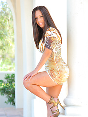 Zoey in heels and a dress with no panties flicks her clit - Erotic and nude girls pics at SoloTeenPics.com