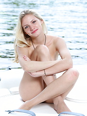 An elegant yet carefree outdoor shoot by the lake with the beautiful Monique C - Erotic and nude girls pics at SoloTeenPics.com