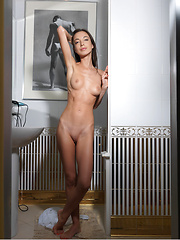 Naughty Elle D poses naked before taking a shower - Erotic and nude girls pics at SoloTeenPics.com