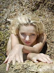 Sea shore of passion - Erotic and nude girls pics at SoloTeenPics.com