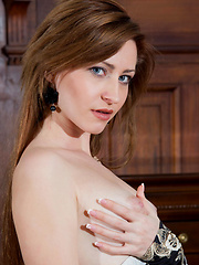 Janelle B - STEMME - Erotic and nude girls pics at SoloTeenPics.com