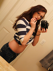 Cute Tee And Jeans - Erotic and nude girls pics at SoloTeenPics.com