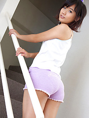 Yuzuki Hashimoto Asian in shorts is so sexy that gets roses - Erotic and nude girls pics at SoloTeenPics.com
