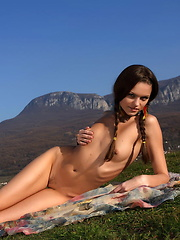 Hello Stranger - Erotic and nude girls pics at SoloTeenPics.com