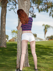 Dee Dee Lynn Atomic Golf