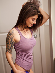 Purple Tanktop - Erotic and nude girls pics at SoloTeenPics.com