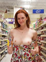 Dee Dee Lynn My Pet Skull - Erotic and nude girls pics at SoloTeenPics.com