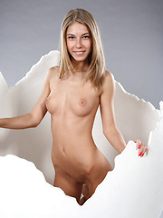 Katherine A - Erotic and nude girls pics at SoloTeenPics.com