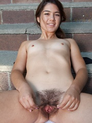 Felix masturbates in exercise leotard outdoors - Erotic and nude girls pics at SoloTeenPics.com