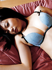 Akina Suzuki Asian in panty takes bra off but hides her big jugs - Erotic and nude girls pics at SoloTeenPics.com