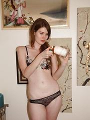 Zoe Fletcher Peacocking - Erotic and nude girls pics at SoloTeenPics.com